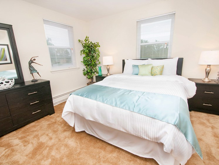 Live in cozy bedrooms at Mount Ridge Apartments, Baltimore, MD,21228