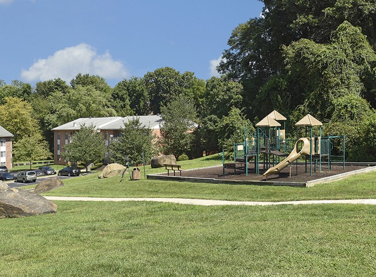 Beautifully Landscaped Grounds at Padonia Village Apartments, Timonium, MD,21093