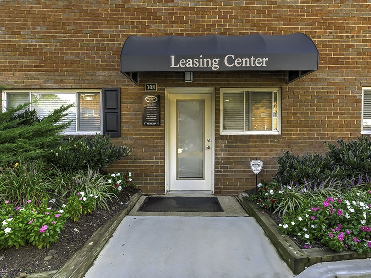 Stevenson Lane Leasing Center Entrance