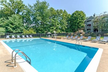 1 Lincoln Woods Way 1-2 Beds Apartment for Rent Photo Gallery 1