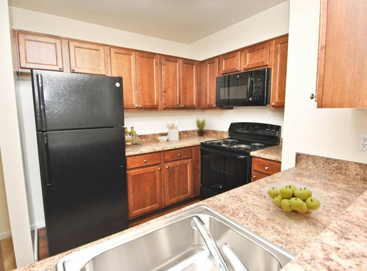Kitchen, Crossings at White Marsh Apartments