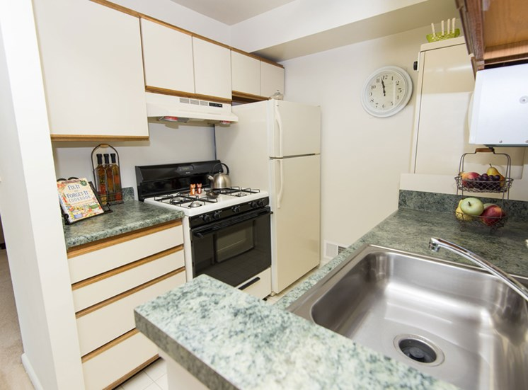 Traditional Kitchen Falls Village Apartments Mount Washington, MD