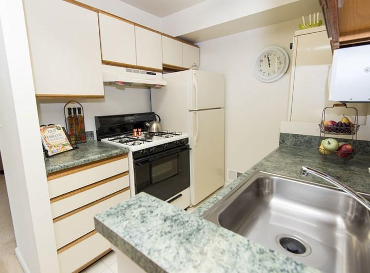 Traditional Kitchen Falls Village Apartments Mount Washington, MD