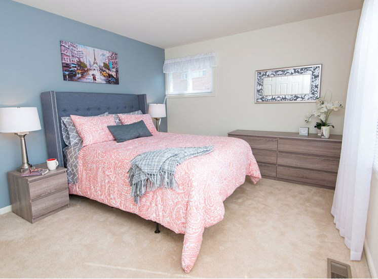 Luxurious Bedrooms With Carpeting at Falls Village Apartments, 6222 Green Meadow Parkway, 21209