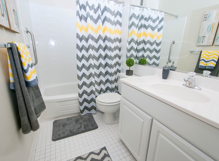 Spacious Bathrooms at Ridge Gardens Apartments, 8509 Old Harford Road, Parkville, MD, 21234