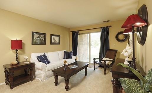 Living Area at Westwinds Apartments, Annapolis, MD, 21403