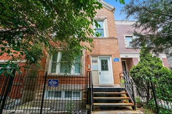 2222 W. Belden Ave. 1-4 Beds Apartment for Rent Photo Gallery 1