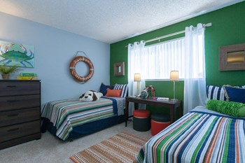 7375 Rollingdell Dr 1-2 Beds Apartment for Rent Photo Gallery 1