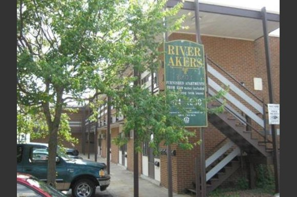 River Akers Apartments 7301 River Road Newport News Va Rentcaf