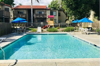 5775 Riverside Drive 1-2 Beds Apartment for Rent Photo Gallery 1