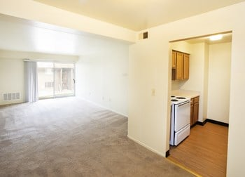 Sylvester Way & Palm St. 1-2 Beds Apartment for Rent Photo Gallery 1