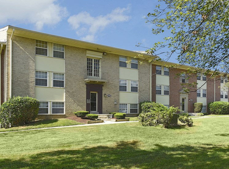 Renovated Apartment Homes Available at Kenilworth at Hazelwood & Windridge Apartments, Baltimore, MD,21206