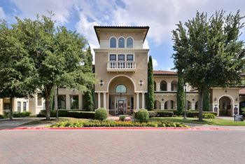 635 E. Royal Lane 1-3 Beds Apartment for Rent Photo Gallery 1
