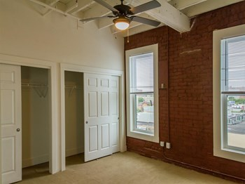 606 South Harrison St 1-2 Beds Apartment for Rent Photo Gallery 1