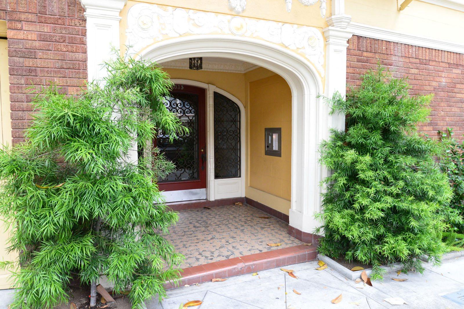 3035 BAKER Apartments homepagegallery 2