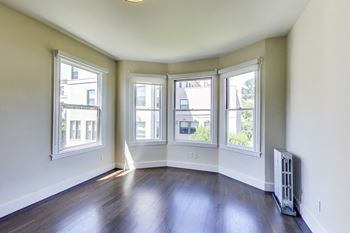 3035 Baker Street 1-2 Beds Apartment for Rent Photo Gallery 1
