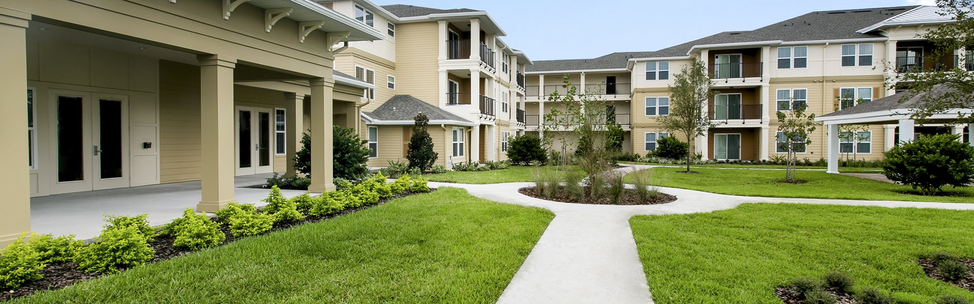 Vista Park Senior Living Apartments for rent in Brooksville, FL. Make this community your new home or visit other Concord Rents communities at ConcordRents.com. Courtyard