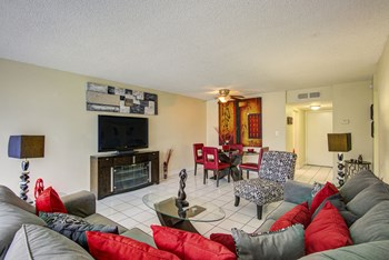 2940 Forest Hills Boulevard 1-2 Beds Apartment for Rent Photo Gallery 1