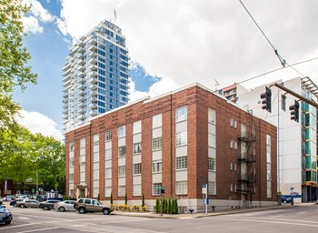 1417 SW 10th Ave Studio-1 Bed Apartment for Rent Photo Gallery 1