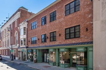 140 Orange Street Studio-2 Beds House for Rent Photo Gallery 1