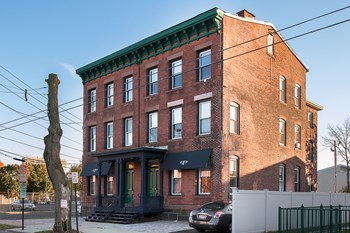 574 George Street#3 1 Bed Apartment for Rent Photo Gallery 1
