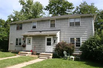 1004 Brooks 3 Beds Duplex/Triplex for Rent Photo Gallery 1