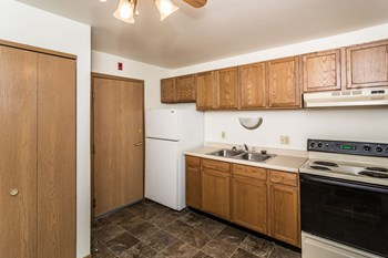 2520 9th Ave. S Studio-2 Beds Apartment for Rent Photo Gallery 1