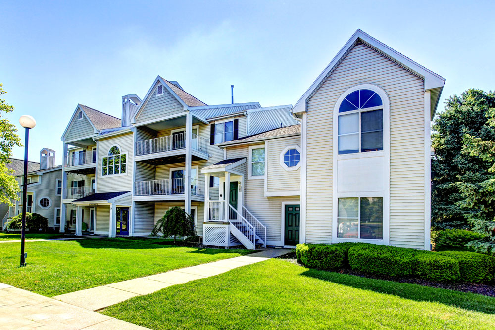 Drakes Pond Apartments In Kalamazoo, Michigan