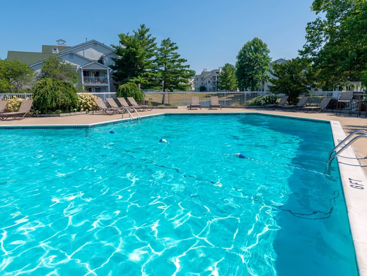 Swimming Pool at Drakes Pond Apartments in Kalamazoo