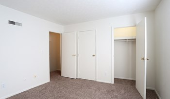 1844 Forest Village Ln 1 Bed Apartment for Rent Photo Gallery 1