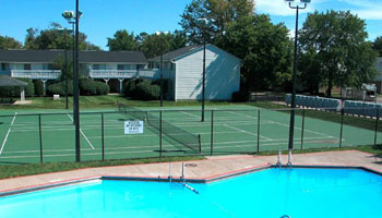 Apartments in Columbus with a tennis court
