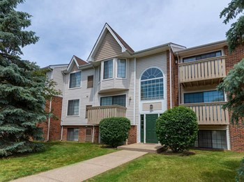 7380 Arbor Trail 1-2 Beds Apartment for Rent Photo Gallery 1