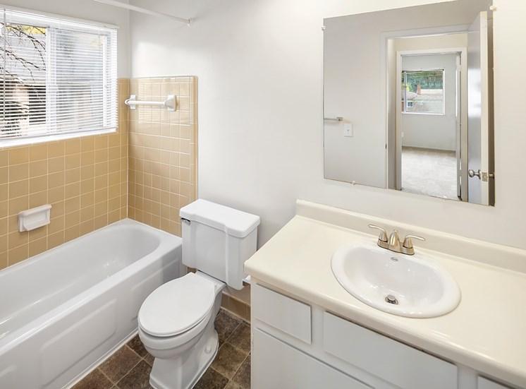 Ceramic Tiled Bathrooms; Kings Gate in Sterling Heights, MI