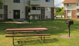 Picnic Area at Apartments in East Lansing