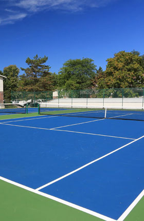 Tennis Courts of apartments in East Lansing