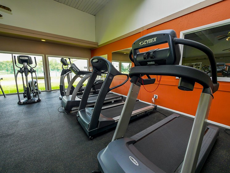 Fitness Center At Castle Pointe Apartments, East Lansing, MI