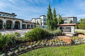 13801 Napoli Drive 1-2 Beds Apartment for Rent Photo Gallery 1
