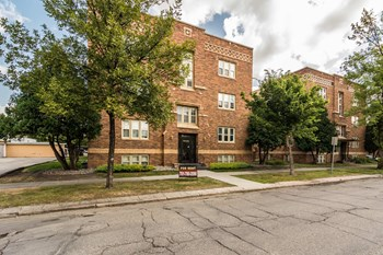 210 No 6Th St. 1 Bed Apartment for Rent Photo Gallery 1