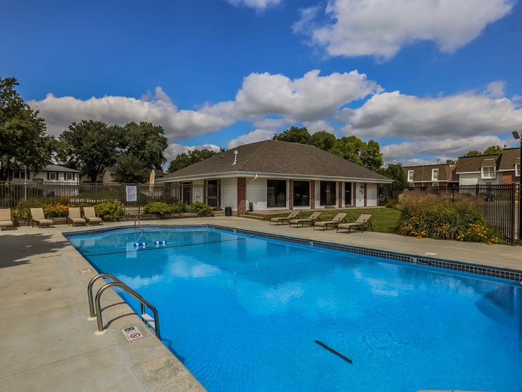 Beacon Hill Apartments | Pool