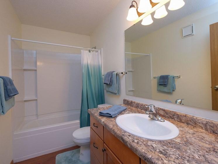 Maybrook Apartments | 3 bedroom | Bath