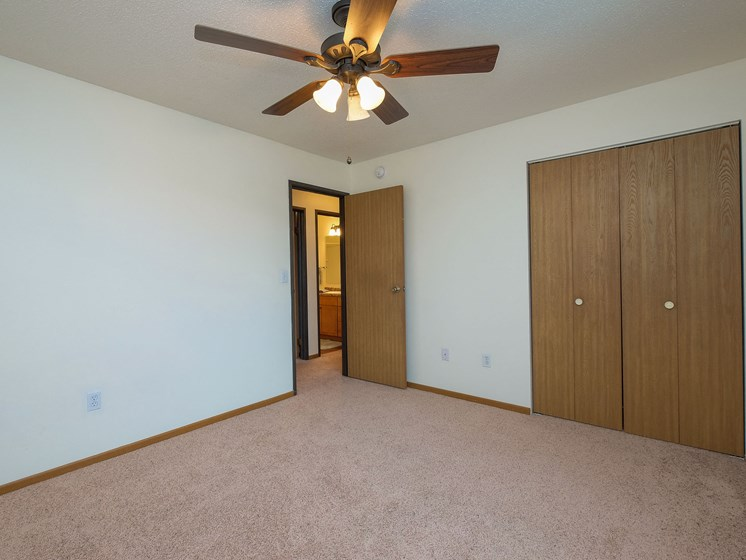 Maybrook Apartments | 3 bedroom | Bedroom