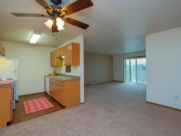 Maybrook Apartments | 3 bedroom | Kitchen | Living Room