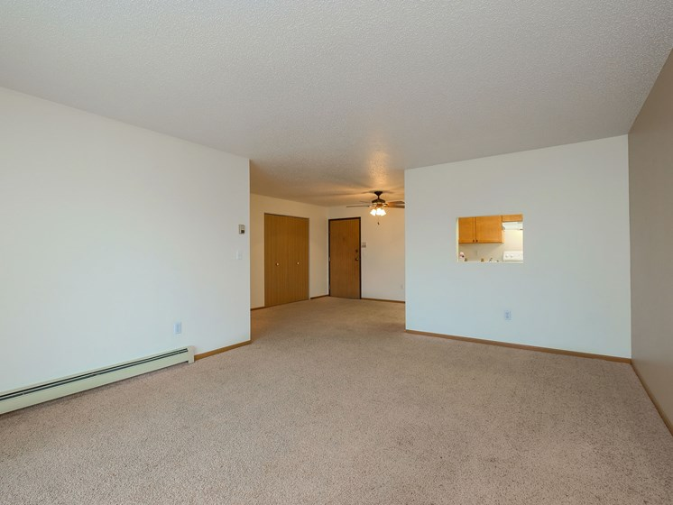 Maybrook Apartments | 3 bedroom | Living Room