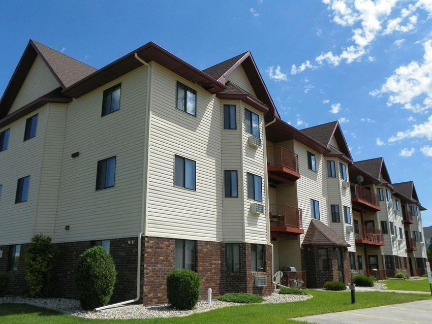 Somerset Apartments | Fargo, ND