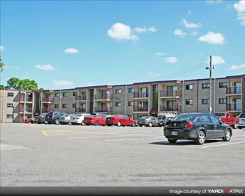 2524 Highway 100 S. 1-2 Beds Apartment for Rent Photo Gallery 1