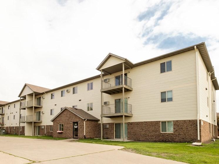 Danbury Apartments | Fargo, ND
