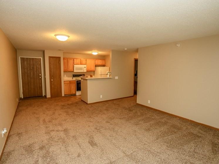 Deerfield Apartments | 3 Bedroom | Living Room