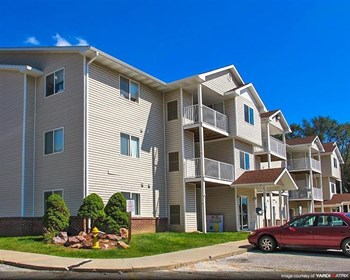 901 Franklin Avenue 1-3 Beds Apartment for Rent Photo Gallery 1