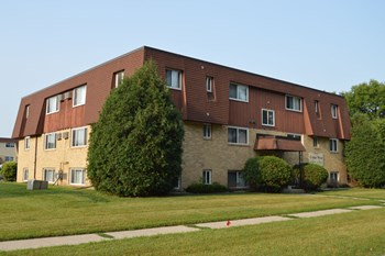 3036 9 1/2 St N 1-2 Beds Apartment for Rent Photo Gallery 1