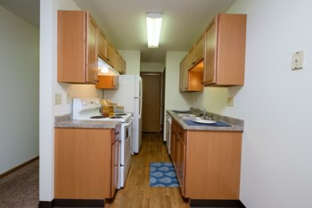 711 N University Drive 1-2 Beds Apartment for Rent Photo Gallery 1